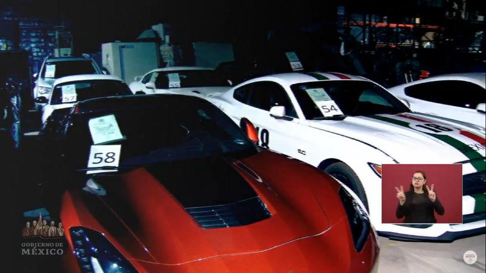 Subasta De Carros >> FOTOS: AMLO encuentra bodega con autos de lujo y los venderá
